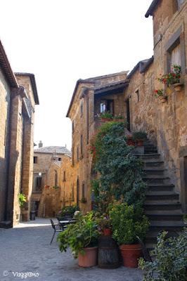 Via del centro di Civita