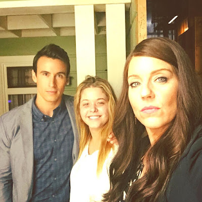 Huw Collins, Sasha Pieterse and Andrea Parker filming PLL 7x02 Bedlam