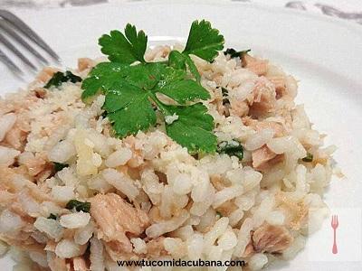 como-preparar-el-arroz-con-atun