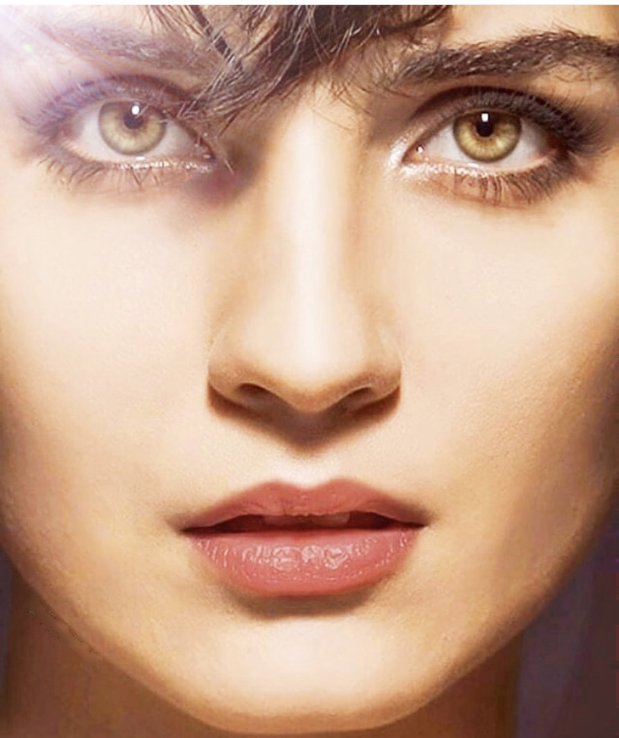 Turkey actresses girl dp with beautiful eyes