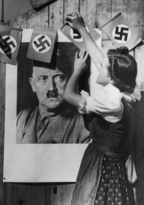 Hitler odd worldwartwo.filminspector.com