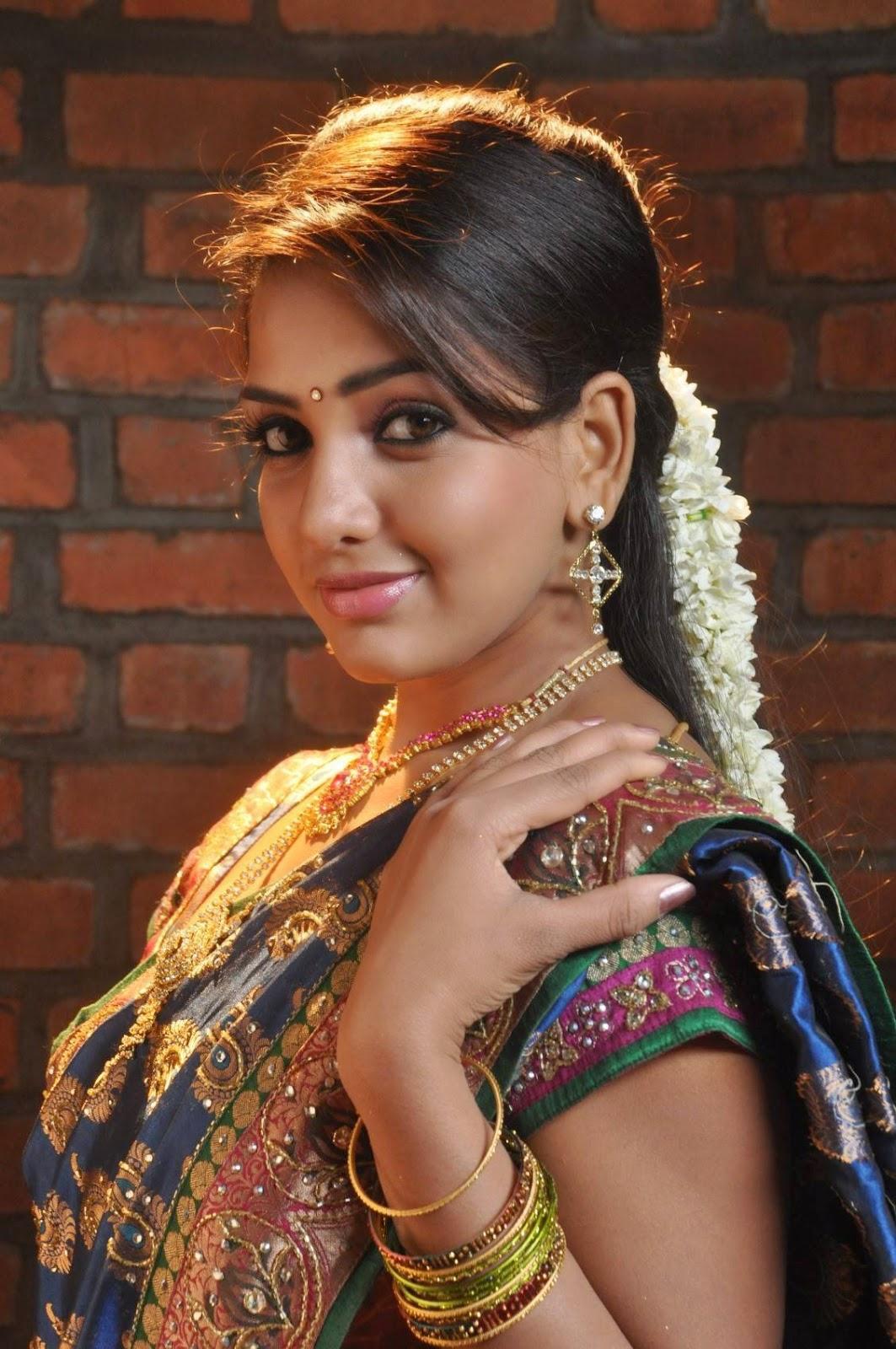 Spicy Actress Bhavani Reddy Stills From Ini Avane Tamil Movie-6200