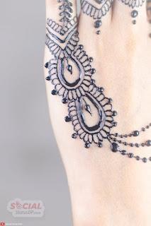 Simple Mehndi Design photos
