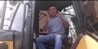 Homem de confiança do prefeito de Iguatu incita prática de crime ao oferecer retroescavadeira para PMs