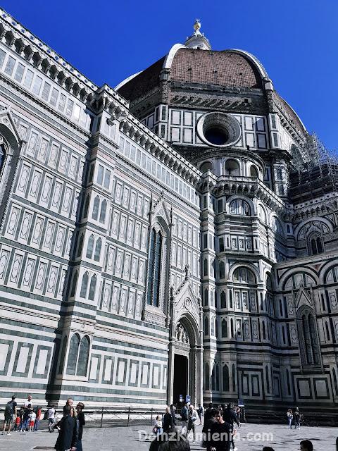 Duomo we Florencji, Dom z Kamienia