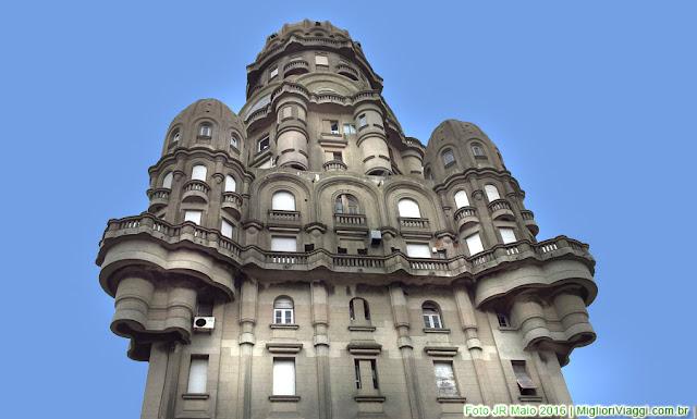 Torre do Palácio Salvo em Montevidéu