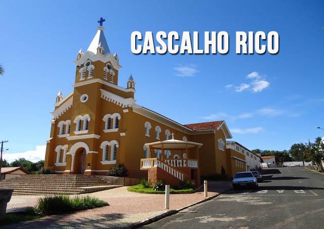 Prefeitura de Cascalho Rico  promove obras no município