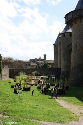 Il fossato del castello di Carcassonne