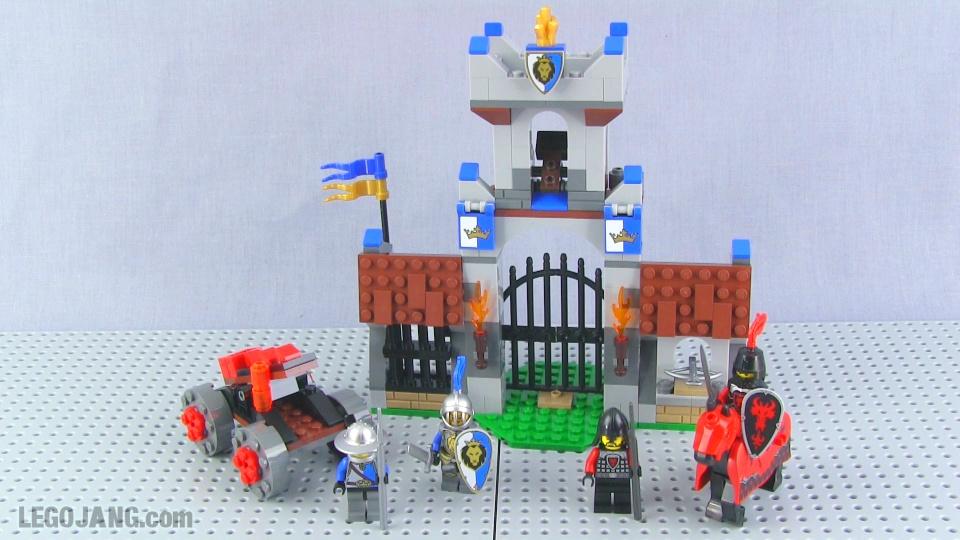 Lego Castle Gatehouse Raid 70402 Set Review