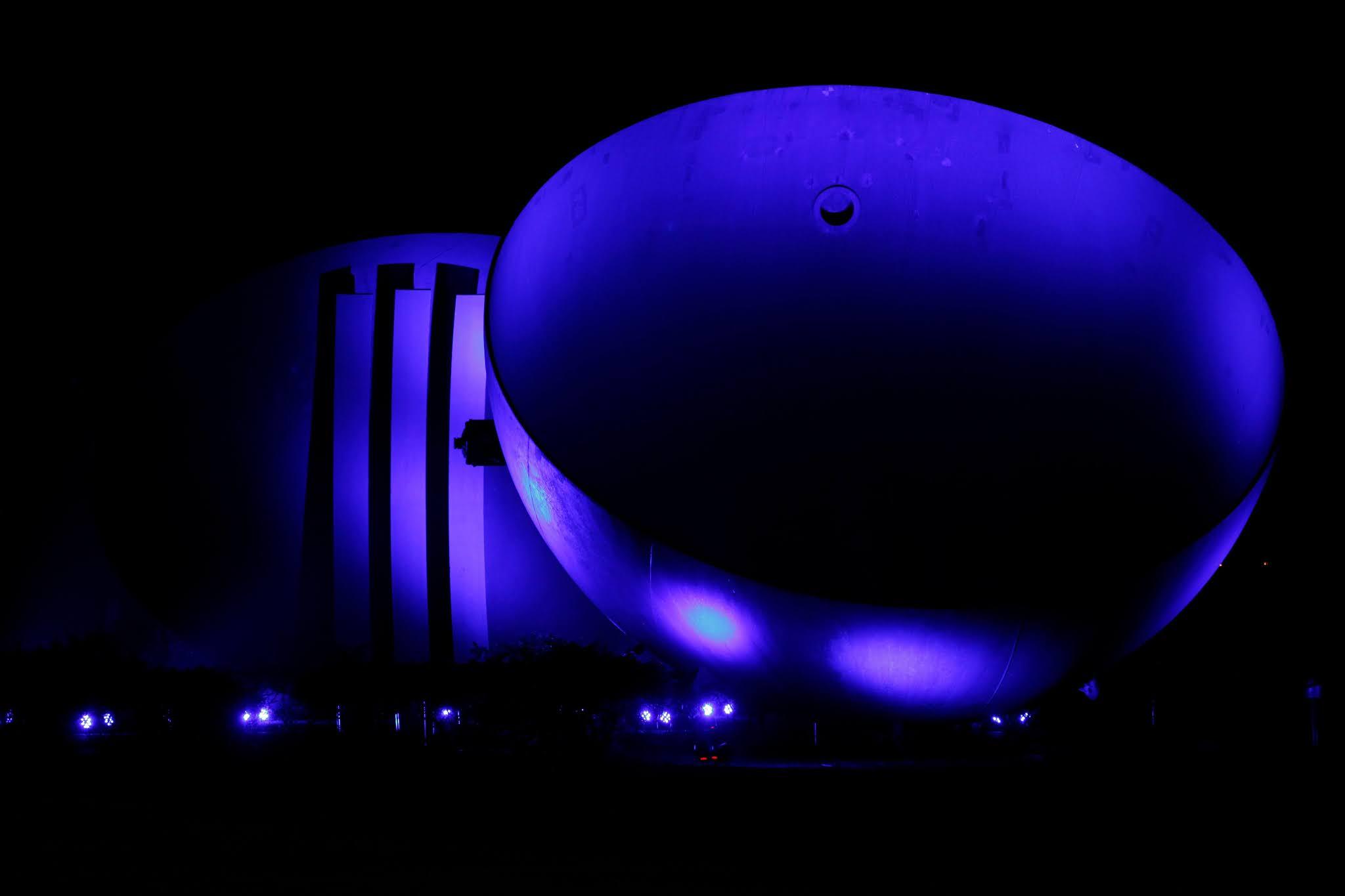 Itaipu ilumina edificações em campanha contra o tráfico humano