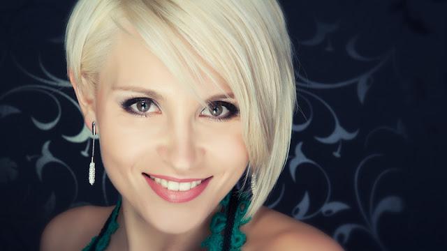 les meilleure collection de coiffures blondes de mariage blanc