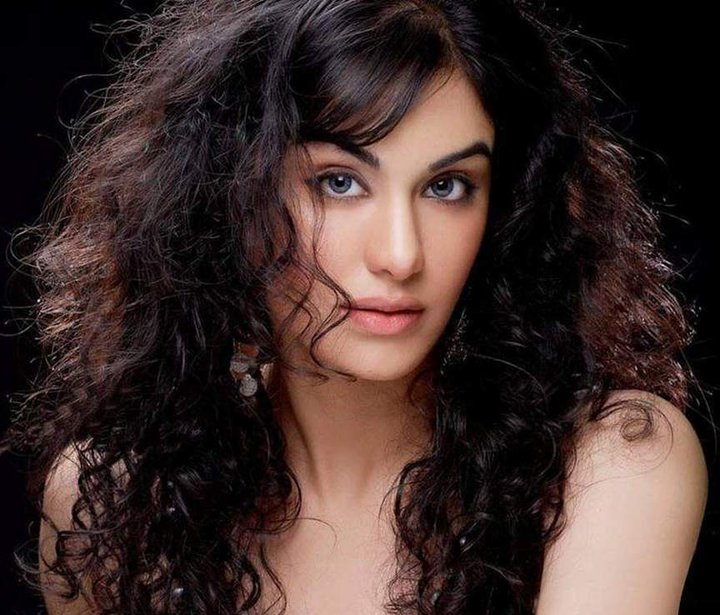 Pakistani Actress Hairstyles: Pakistani Girls Numbers, Girls Numbers, Mobile Numbers
