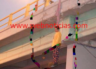 Sujeto hallado colgado de un puente en Leon Guanajuato se suicido; PGJE