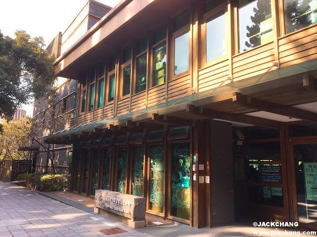 北投圖書館前門