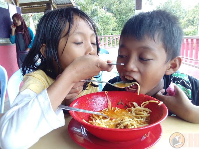 Sedap Mee Kari Warung D'Bukit