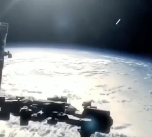 NASA Space Station Captures UFO To Examine It Ovni%252C%2Bomni%252C%2B%252C%2B%25E7%259B%25AE%25E6%2592%2583%25E3%2580%2581UFO%252C%2BUFOs%252C%2Bsighting%252C%2Bsightings%252C%2Balien%252C%2Baliens%252C%2BET%252C%2Banomaly%252C%2Banomalies%252C%2Bancient%252C%2Barchaeology%252C%2Bastrobiology%252C%2Bpaleontology%252C%2Bwaarneming%252C%2Bvreemdelinge%252C%2B