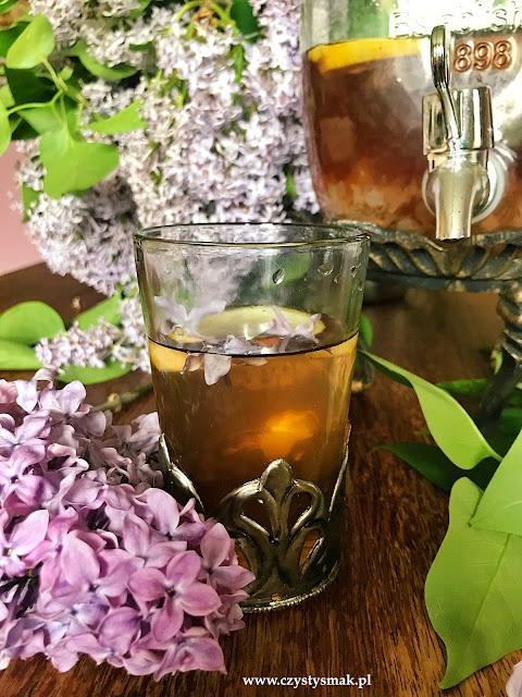 Kwiatowa lemoniada z bzu