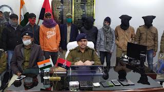 खगड़िया स्वर्ण व्यवसायी से लूट मामले में 10 बदमाश सोना और नगदी के साथ गिरफ्तार
