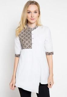 Model baju batik kombinasi warna putih