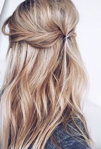 chic and simple hairstyle idea