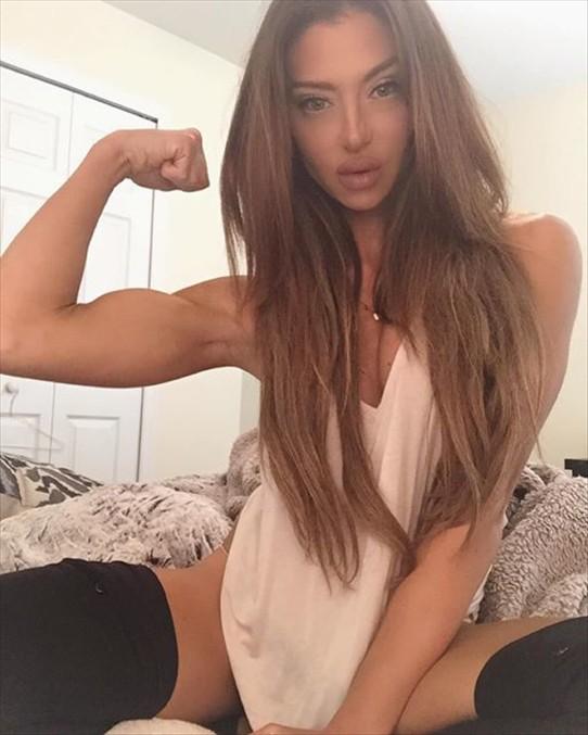 Fitness Model Jaimie Bernhardt Instagram