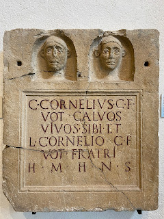 Example of abbreviation HMHNS on Roman tombstone (100 - 0 BC). Grassobbio, villa Colombiani.