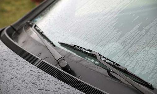 Fitur Mobil Saat Hujan