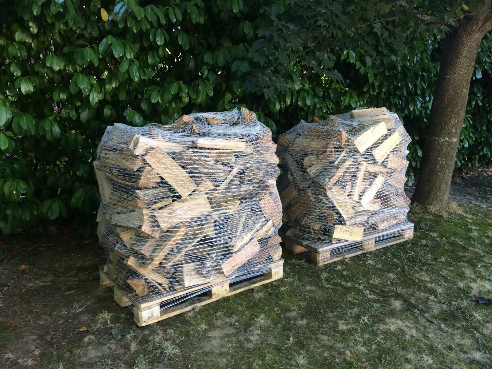 Bois de chauffage is re vente de bois de chauffage en is re bois b ches en palettes film es - Une stere de bois ...