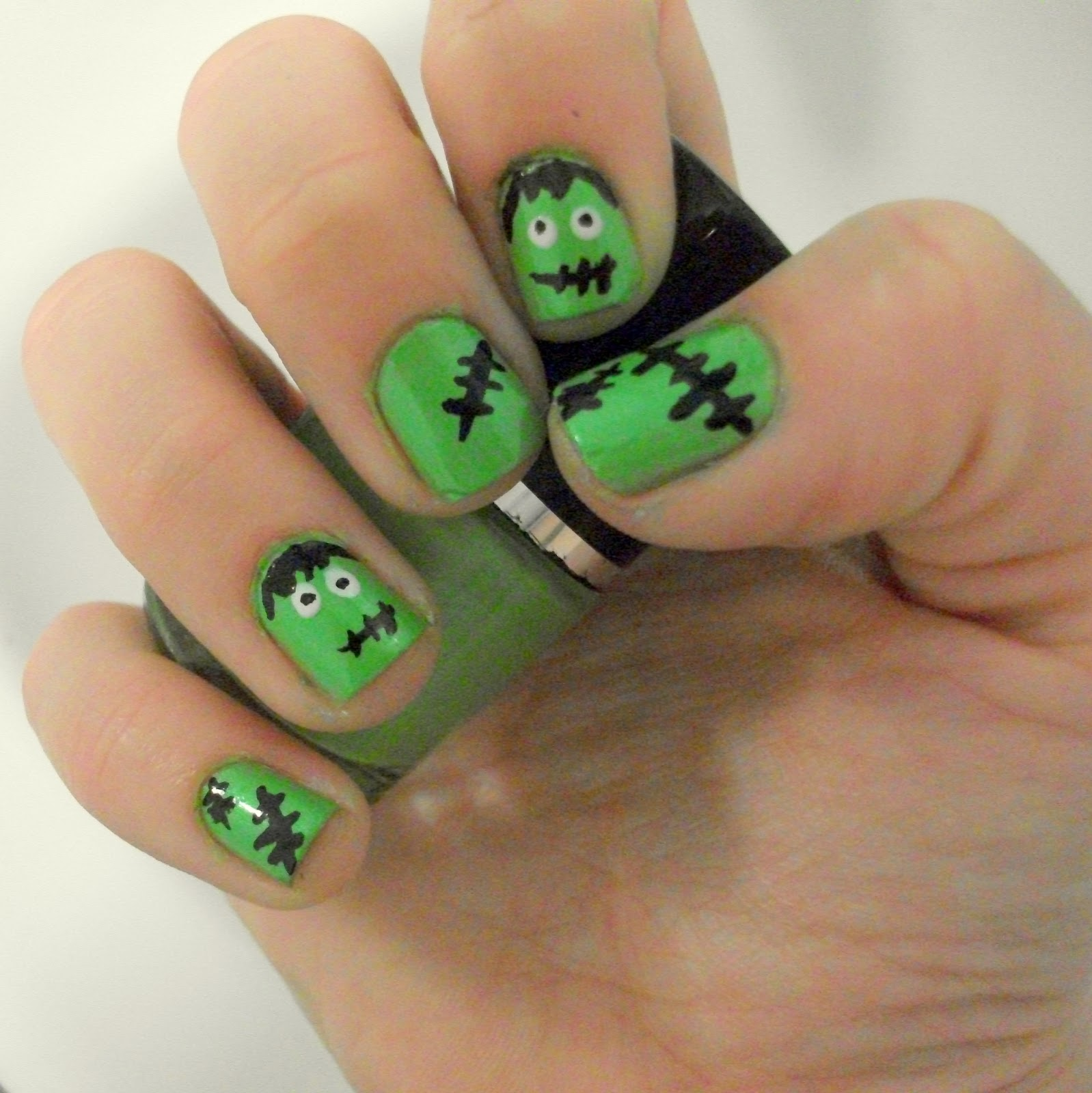GemSeren UK Beauty Blog: Halloween Nail Art: Cute Frankenstein