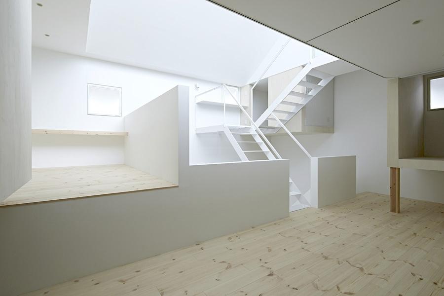 12-A-L-X-Sampei-Junichi-Architecture-Building-that-Envelops-Beauty-www-designstack-co