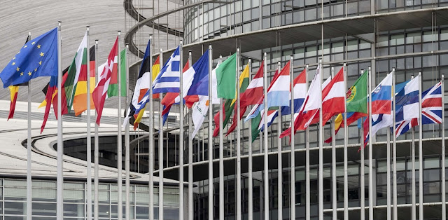 Η Ευρώπη ανησυχεί για τους καταυλισμούς μεταναστών-προσφύγων