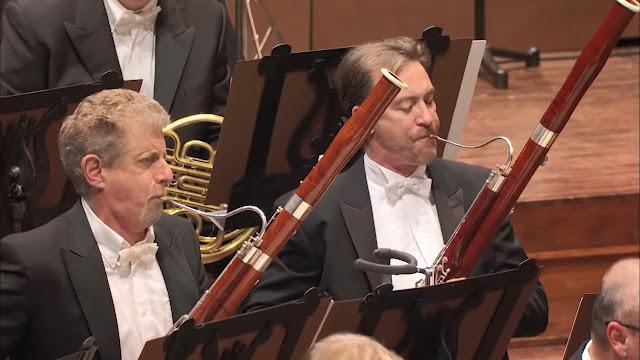 Mengenal Alat Musik dalam Orkestra versi Benjamin Britten - Blog Fisella - Bassoon