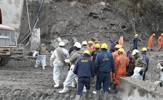 टनल में फंसे मजदूरों को निकालने की कोशिशें जारी, 14 शव बरामद