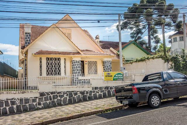Casa na Desembargador Ermelino de Leão