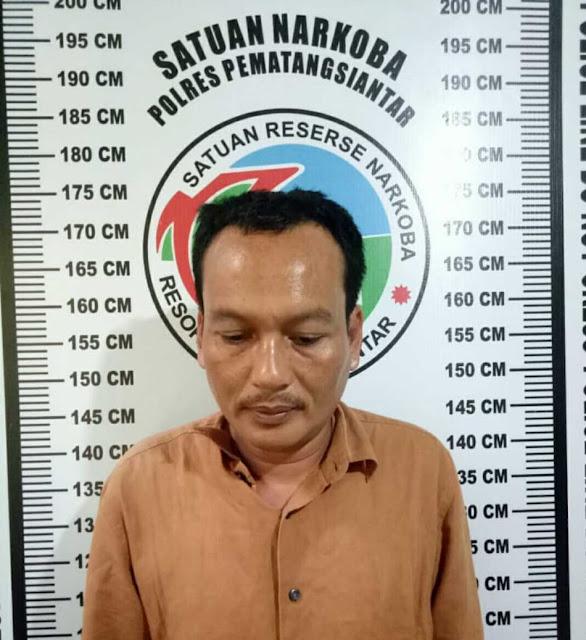 Tersangka narkoba di Siantar yang diringkus polisi.