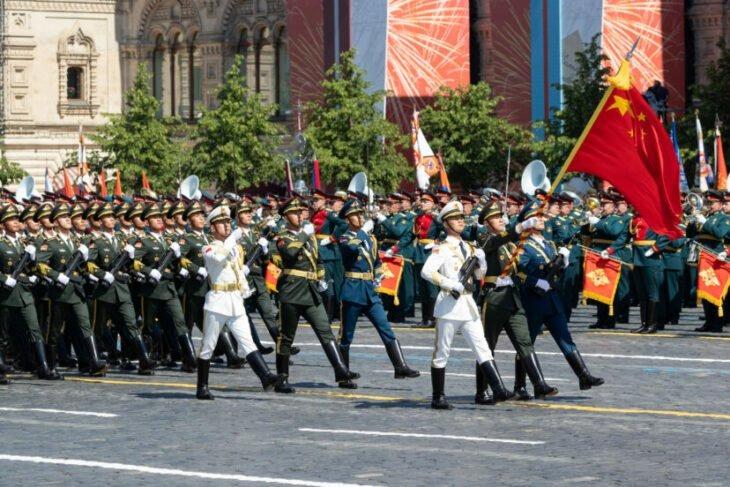 China ha realizado pruebas en humanos para crear súper soldados, dice la inteligencia de EE.UU.