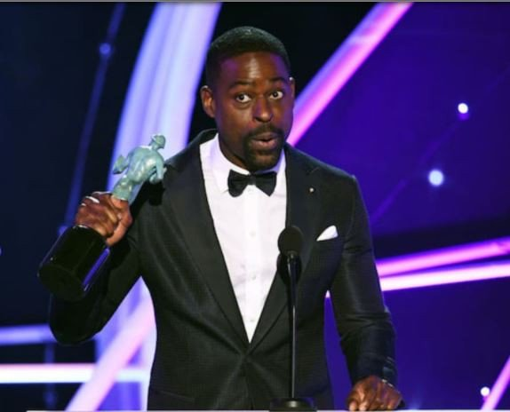 Sterling K. Brown makes history, becomes the first African-American to win Best Actor at the 2018 SAG Awards