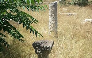 Παντού βρωμιά και σκουπίδια στον Πειραιά, ακόμη και μέσα στους αρχαιολογικούς χώρους του! Το μόνο έργο που προχωρά είναι η μόνιμη διχοτόμηση-καταστροφή του Πειραιά και της αρχαίας πολιτιστικής κληρονομιάς του από το τραμ…