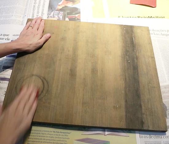 como tratar mofo na madeira