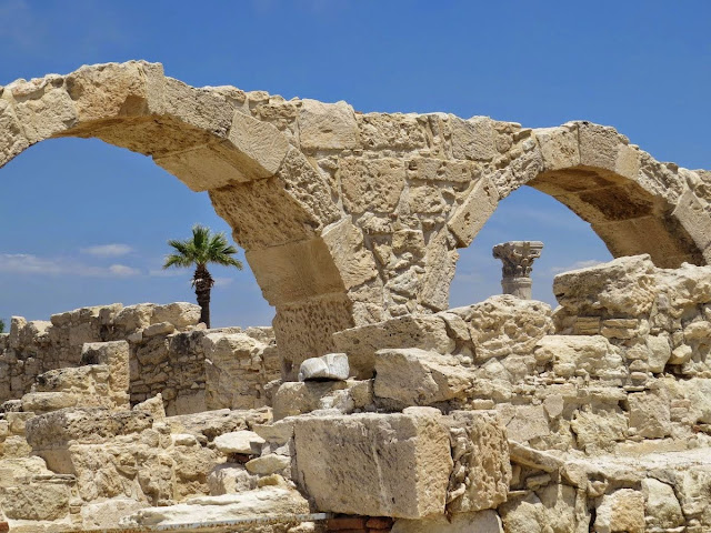 7 Days Cyprus Road Trip Itinerary: Ruined arches at Ancient Kourion