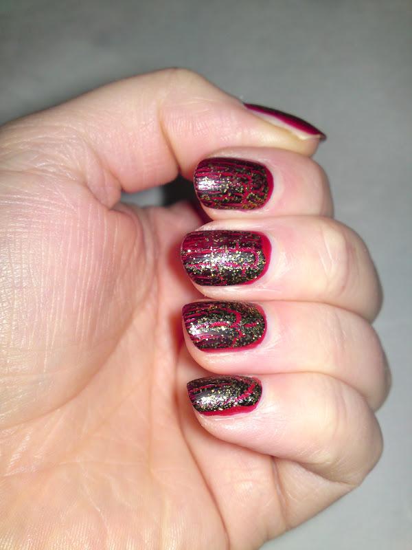 Economy Nails 17 Nail Xtras Black Amp Gold Glitter Crackle