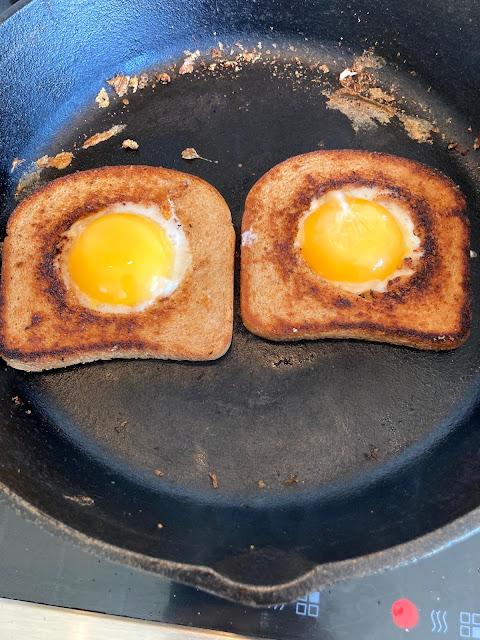 Egg in a Basket-Lauren@Mizhelenscountrycottage
