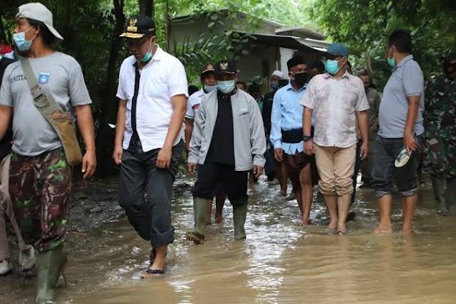 Gubernur NTB Langsung Terjun Ke Lokasi Banjir Kuta Pujut Lombok Tengah