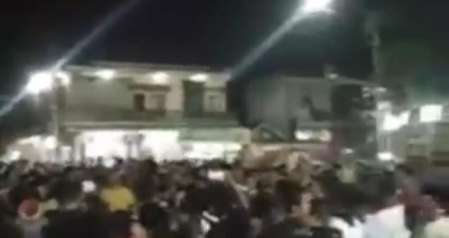 Tidak Setuju Tarawih dan Shalat Jumat Ditiadakan, Warga Jerowaru Lobar Lakukan Demo