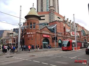 5 Alasan Berburu Oleh oleh di Paddy's Market Sydney Australia