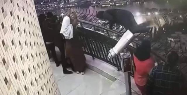 فيديو.. شاهد لحظة انتحار طالب الهندسة من أعلى برج القاهرة