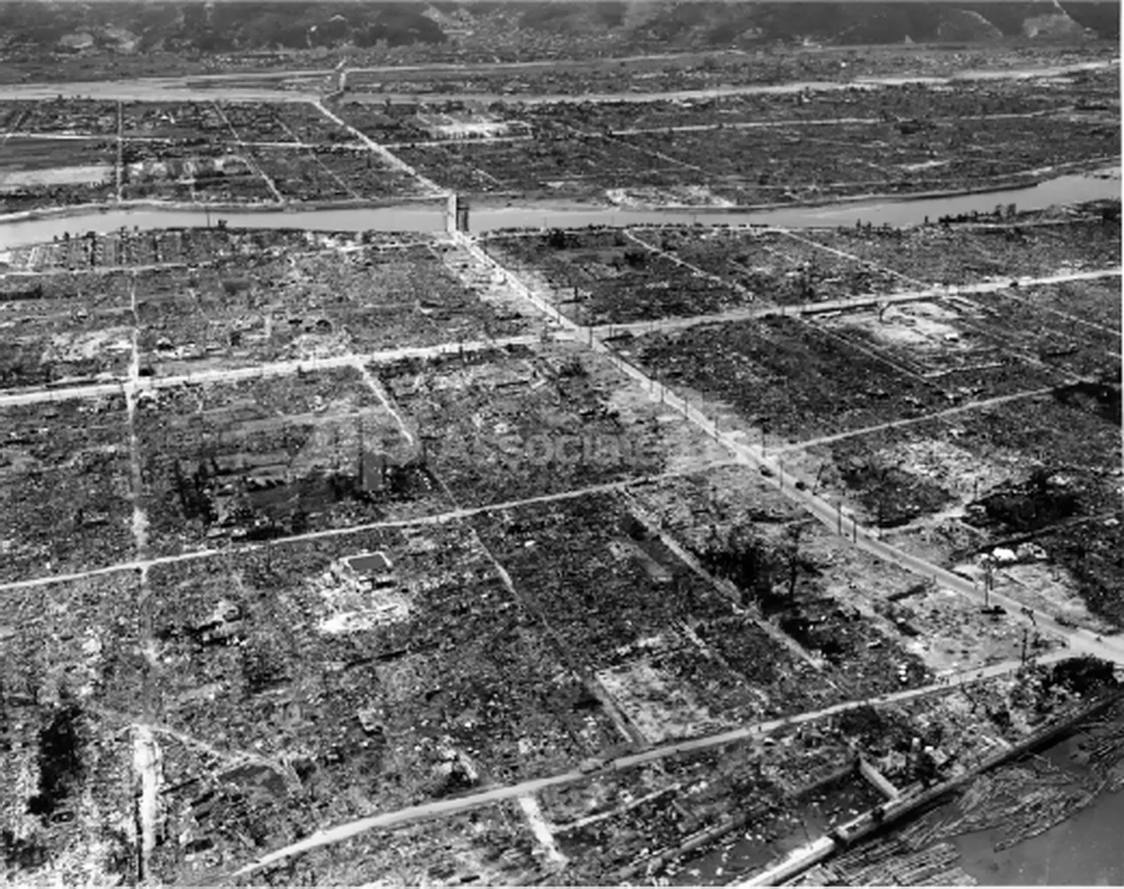 bombing date essay on hiroshima and nagasaki bombing agnesverfaillie com
