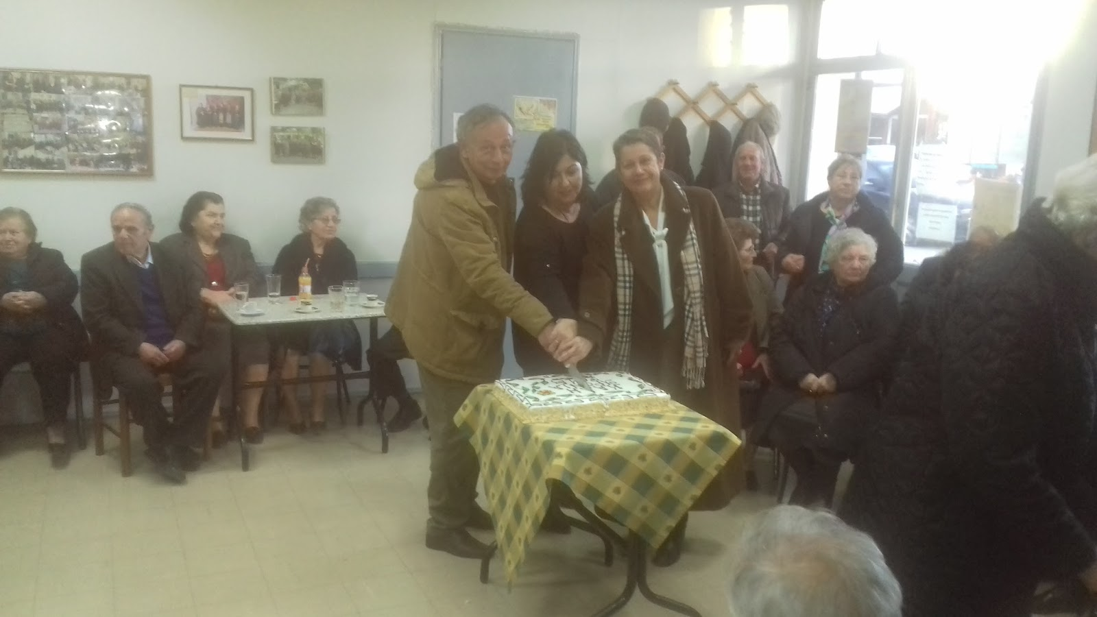 Έκοψαν πίτα τα ΚΑΠΗ Γιάννουλης - Φαλάνης (ΦΩΤΟ)