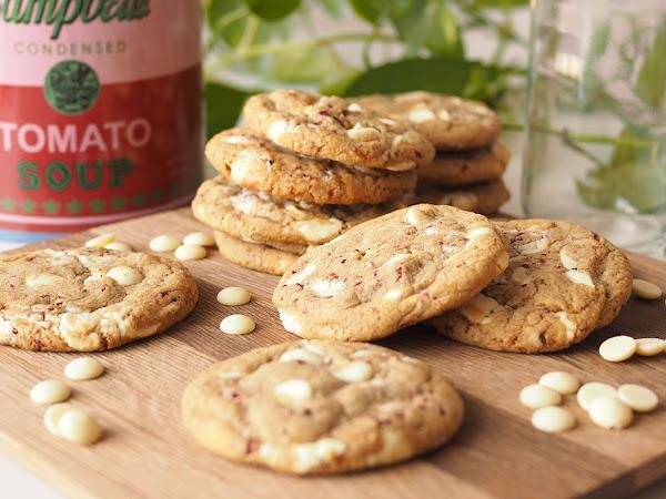 Parhaat valkosuklaa-vadelma cookiet