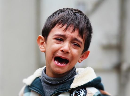 Dampak Negatif  Membiarkan Anak Menangis Terlalu Lama